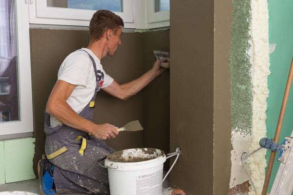 Prix rénovation murs, combien ça coûte ?